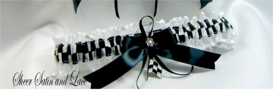 Mariage - CHECKERED FLAG racing wedding garters white garter Toss