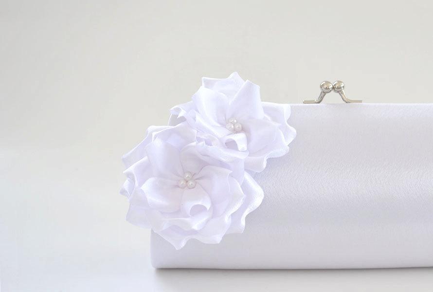 Mariage - Bright White Bridal Clutch
