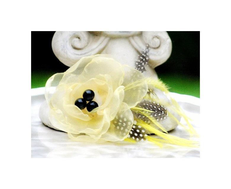 Hochzeit - Yellow Flower Fascinator Comb, Clip, Brooch Pin. Handmade Spring Floral Fashion, Gossip Girl Mother Day Quinceanera, Couture Bride Statement