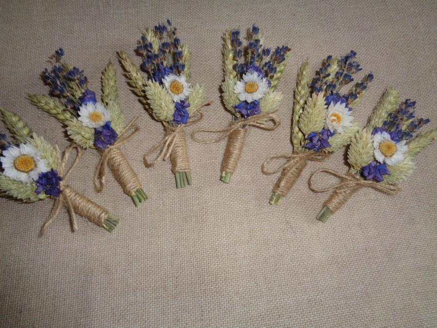 Свадьба - Wedding dried boutonnieres set -6 groomsman boutonnieres natural green lavender and white rustic groom wedding pin  country woodland decor