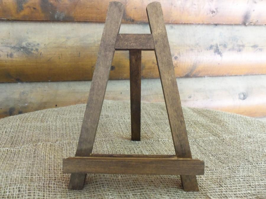Hochzeit - Large Rustic Chic Table-top EASEL - Natural or Rustic Stain