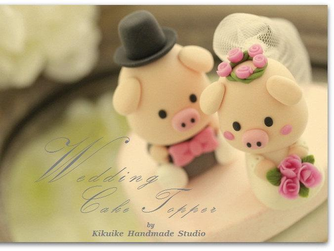 Mariage - piggy and piglet bride and groom wedding cake topper---k756