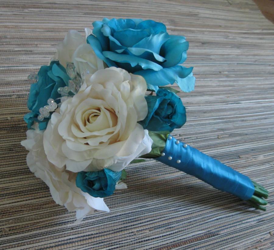 Свадьба - Blue Rose Bouquet, White Roses Silk Bridal Bouquet, Wedding Bouquet, Boutonniere, Teal Blue Rose, White Rose, Spring/Summer Wedding