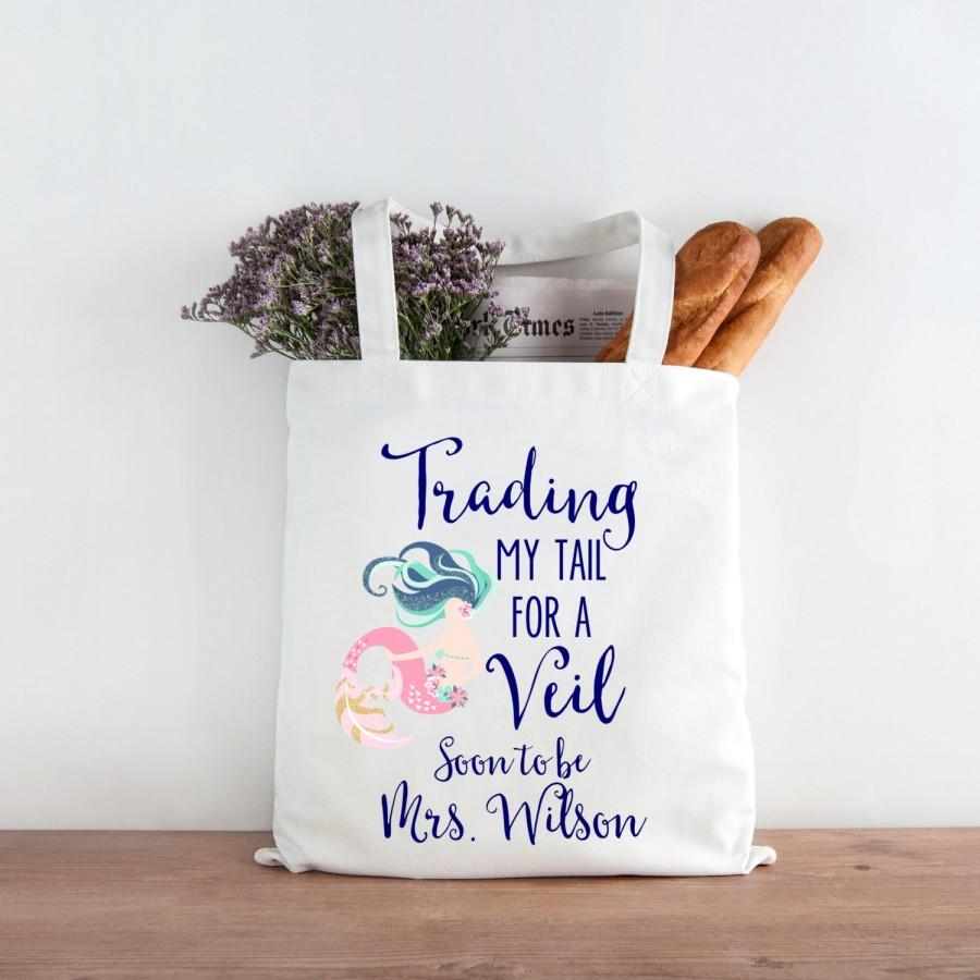 Mariage - Mermaid Bride Soon to be Mrs. Wedding Tote Bag Trading My Tail for a Veil Bachelorette