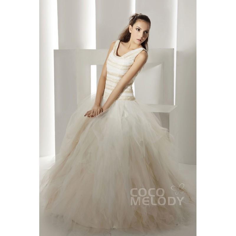 Свадьба - Dramatic A-Line V-Neck Chapel Train Tulle Wedding Dress CWZT1301F - Top Designer Wedding Online-Shop