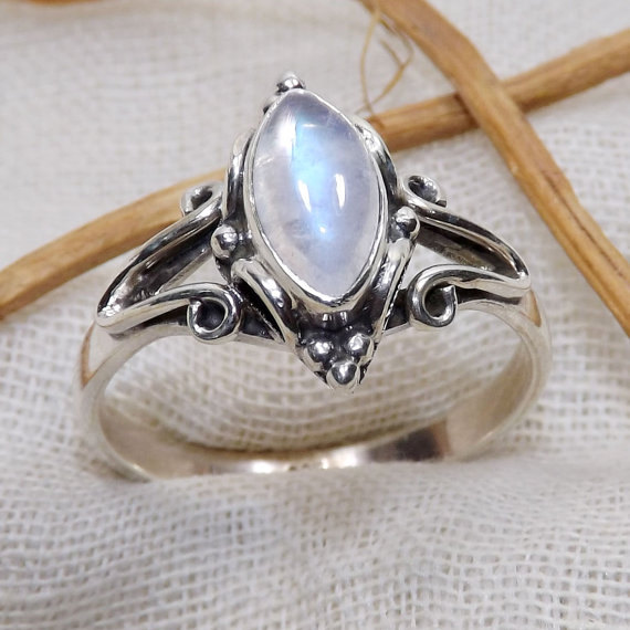 Mariage - Rainbow Moonstone Ring, Blue Fire Rainbow Moonstone Ring, Designer Ring, 925 Silver Ring, Perfect Gift For Her, Partywear Rings, Jewellery