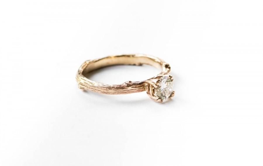 Mariage - Forever brilliant moissanite 14k gold twig engagement ring