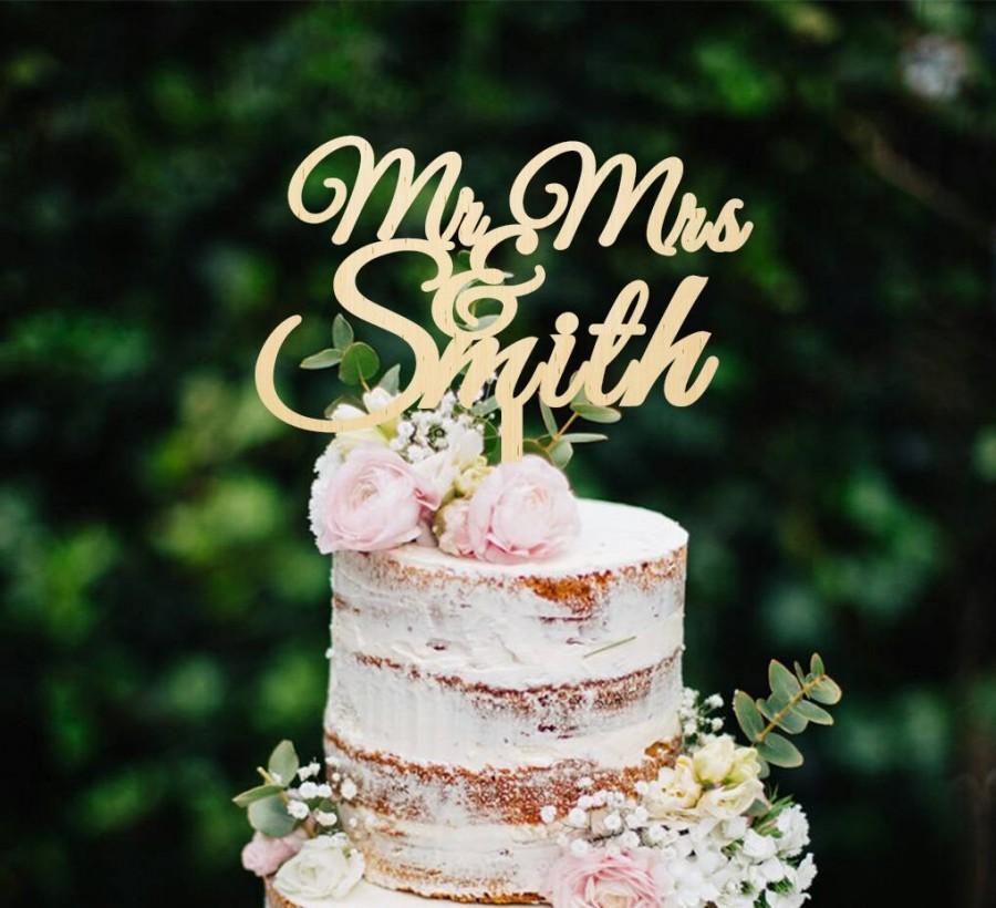 Mariage - Wedding Cake Topper Wooden Cake Topper Mr and Mrs With Last Name Cake Topper Custom Cake Topper Names Cake Topper Personalized Cake Topper