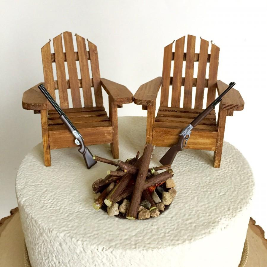 Hochzeit - Rustic Hunting Wedding Cake Toppers / Wedding Cake Topper Cabin Chairs / Hunter Wedding/Rustic Wedding / Camo Wedding