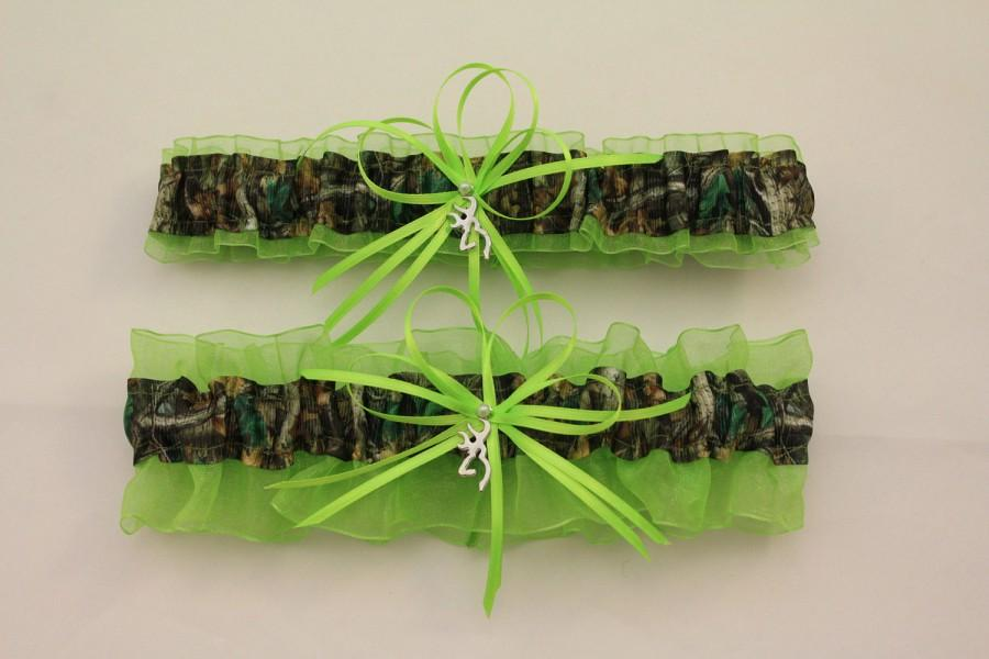 Mariage - Lime Green and Camouflage Wedding Garter with Deer Deco, Mossy Oak,  Camo Garter Set, Bridal Garter, Prom    (Your Choice, Single or Set)