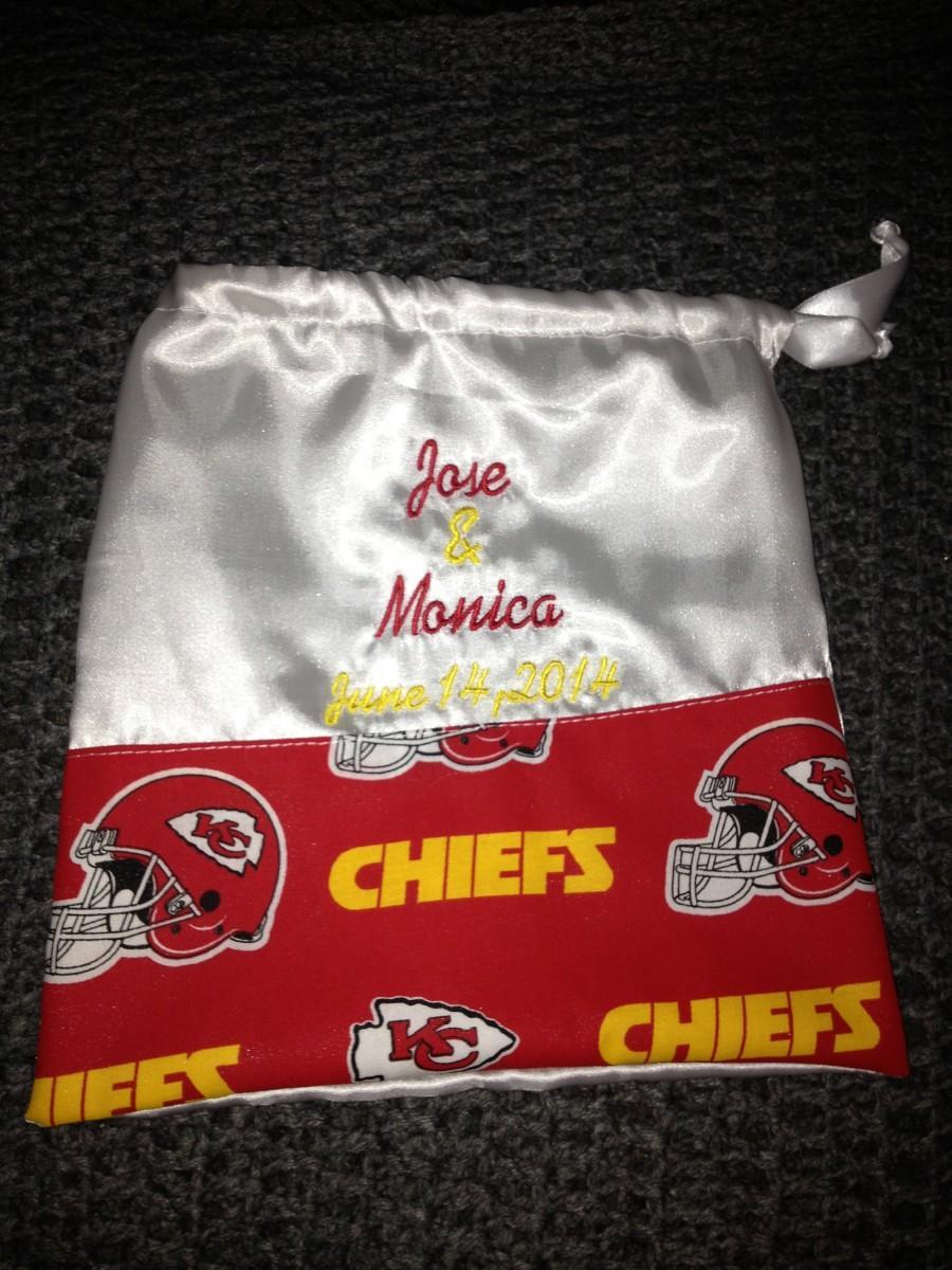 Свадьба - Personalized Kansas City Chiefs Football Satin Drawstring Money Card Bag Bridal Dance Wedding Reception