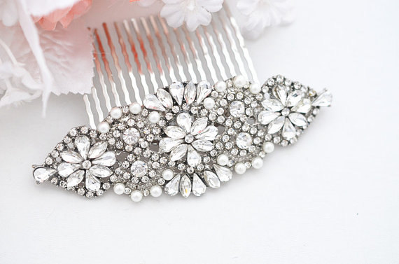 Hochzeit - Bridal glam vintage swarovski crystal hair comb. Rhinestone jewel wedding headpiece