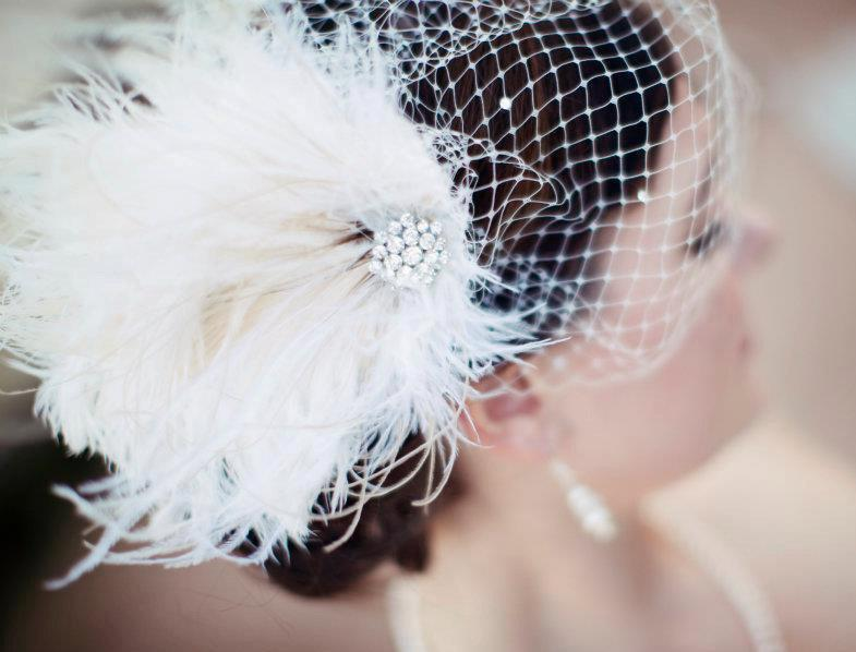Mariage - Bridal Feather Fascinator, Bridal Fascinator, Bridal Headpiece, Bridal Hair Accessories, Wedding Hair Accessories, Bridal Veil, Wedding Veil