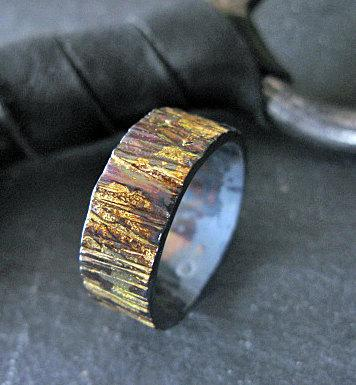 Свадьба - Rustic Mens Wedding Band Oxidized Sterling Silver with 18k Gold 8mm Width Bark Texture Artisan Mens Wedding Ring or Commitment Ring