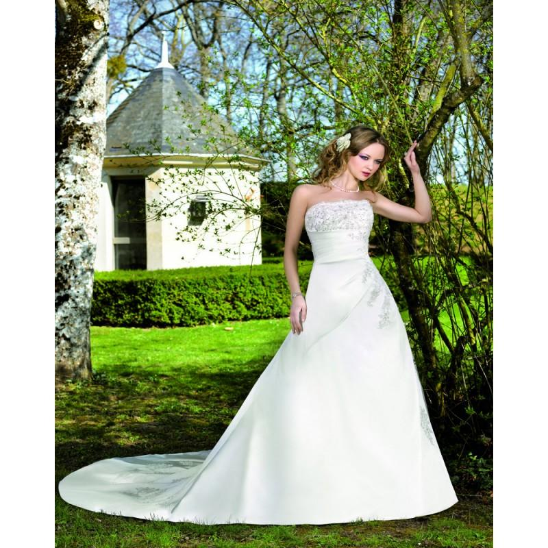 Свадьба - Elegant A-line Strapless Beading Lace Chapel Train Satin Wedding Dresses - Dressesular.com