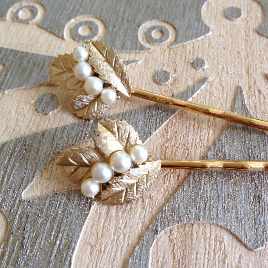 Hochzeit - Pearl and brushed gold hair pins, set, something old, bobby pins, 1920s wedding, rustic, vintage jewelry, set, Art Deco, bridesmaid gift