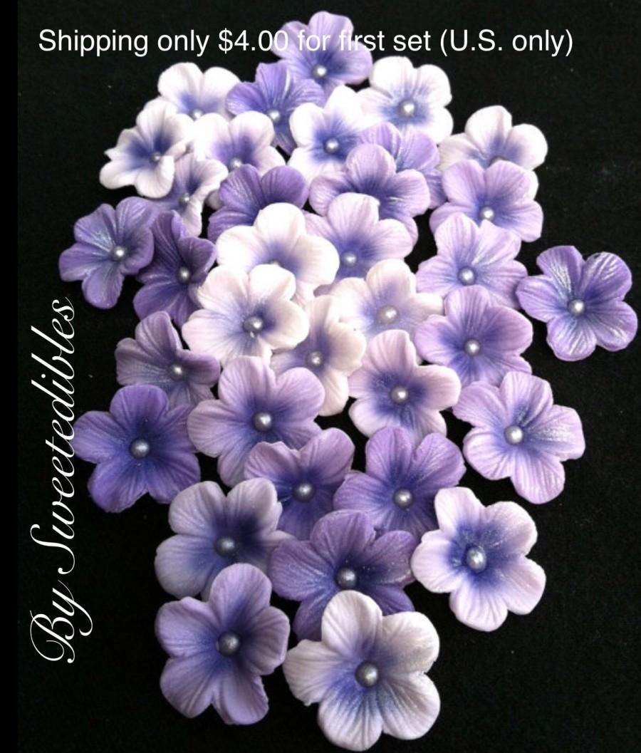 Boda - 5 Petal Gumpaste Blossoms Different Shades of Purple Gum Paste