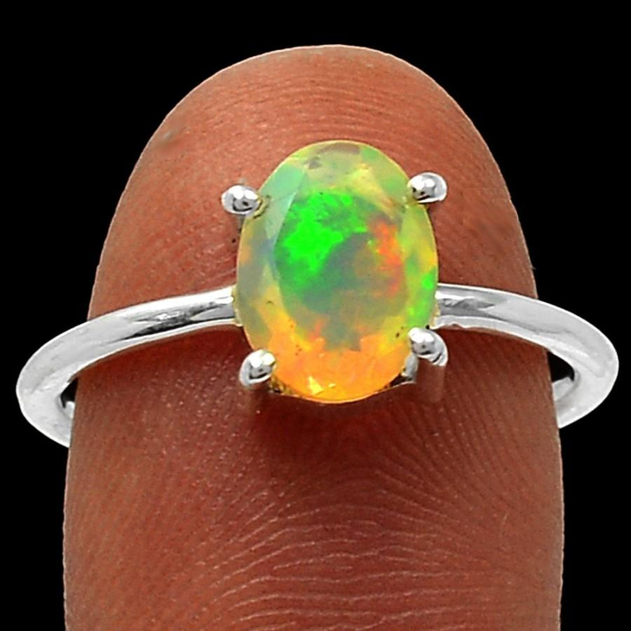 Mariage - Opal Engagement Ring Opal Firey Solid Faceted Ring AAA Quality Opal Solitaire Ring Opal Ring in Solid Sterling Size 7