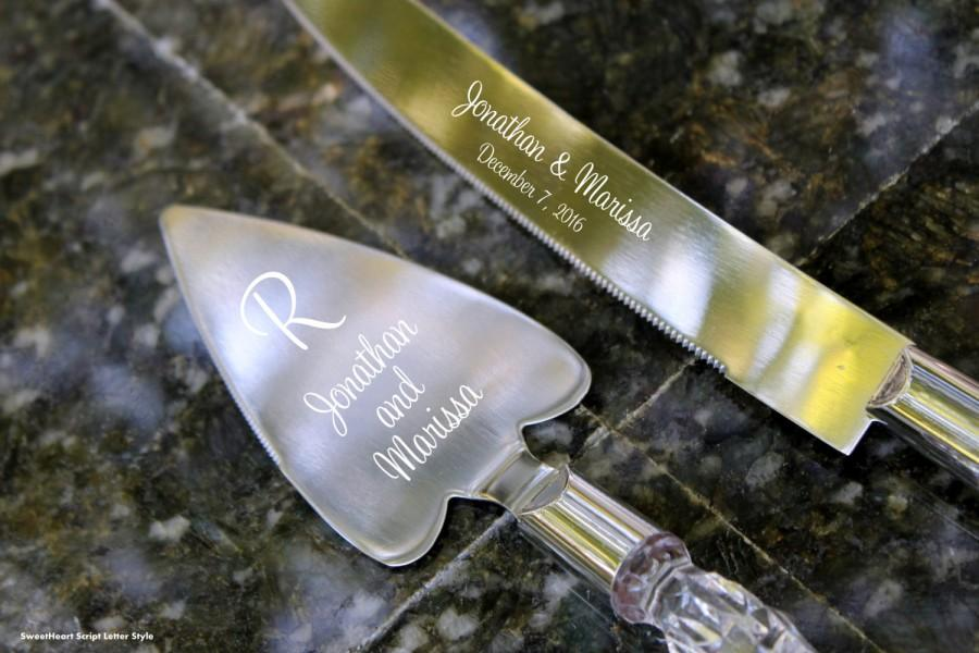 Свадьба - Personalized engraved Bridal Wedding Heart Shaped Cake Server and Knife Set with Faux Crystal Handle