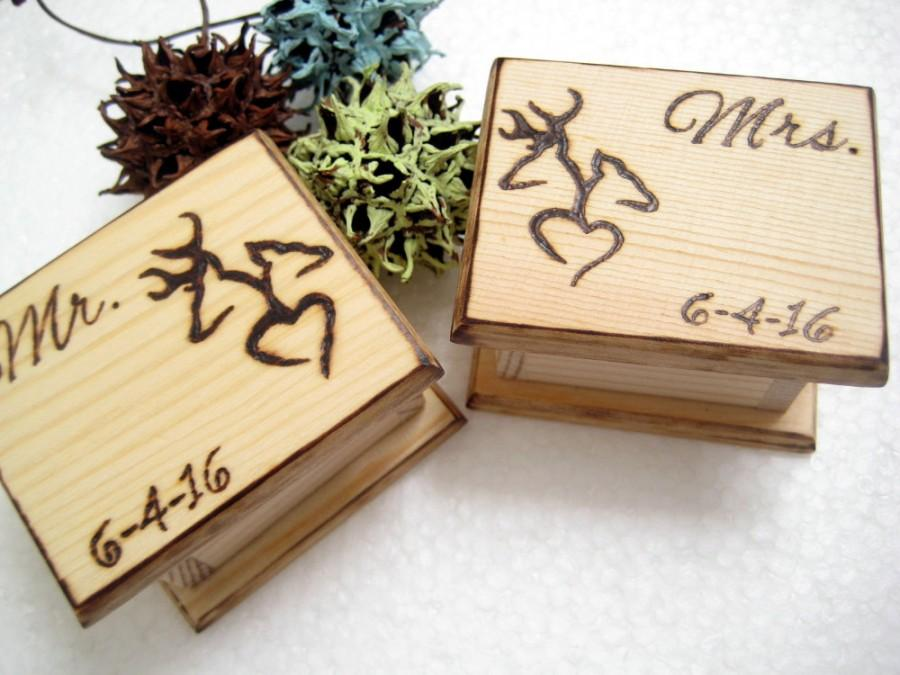 Свадьба - DEER Wedding Ring Boxes 2 pcs -Mr and MRS mini boxes, Camo, Hunting, Rustic Wedding -PERSONALIZABLE
