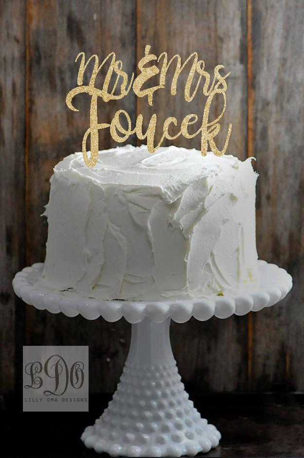 Hochzeit - Custom Mr and Mrs Last Name Wedding Cake Topper - Available in Gold, Silver, or Rose Gold