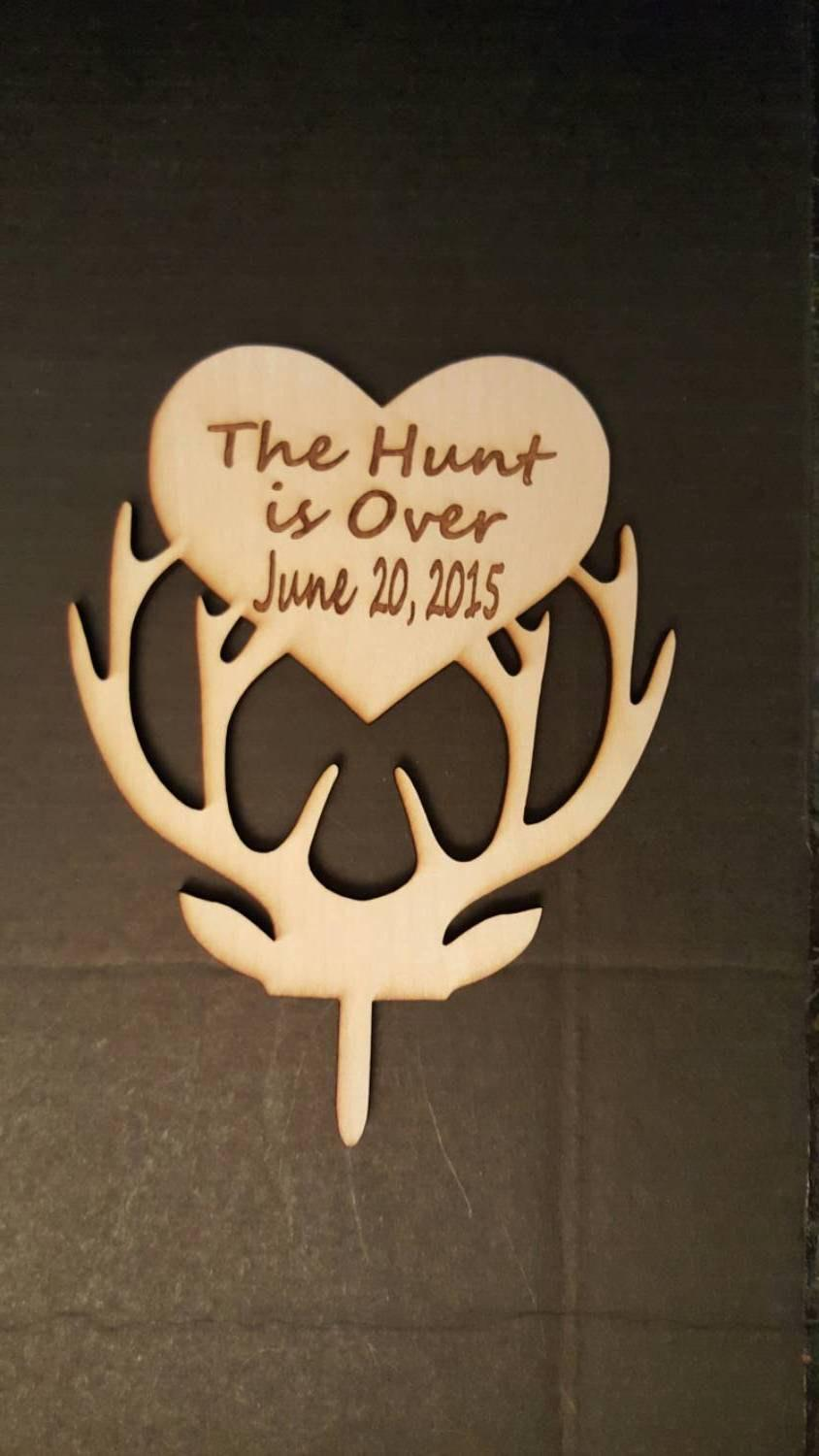 Свадьба - The Hunt Is Over Wedding Cake Topper with wedding date Deer Cake Topper Wooden Topper Wooden Cake Topper Antler rustic wedding country cake