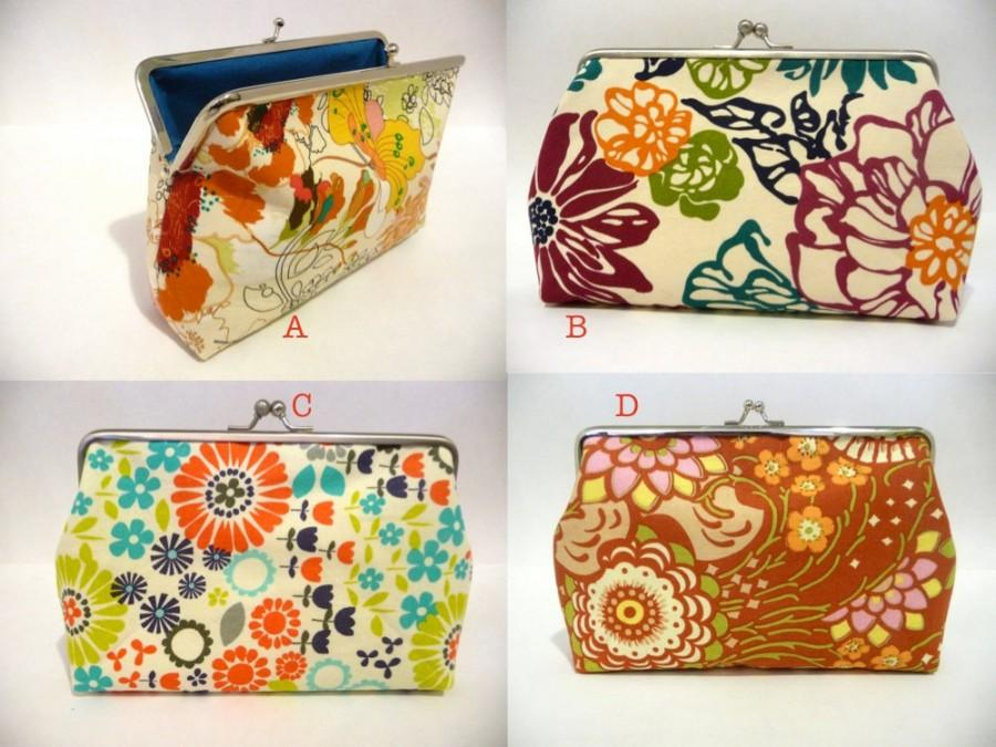 Mariage - Cotton Flower Clutch Set of 4, Bridesmaid Floral Purse Set, Bridesmaid Clutch Set, Makeup Bag, Seven inch Frame