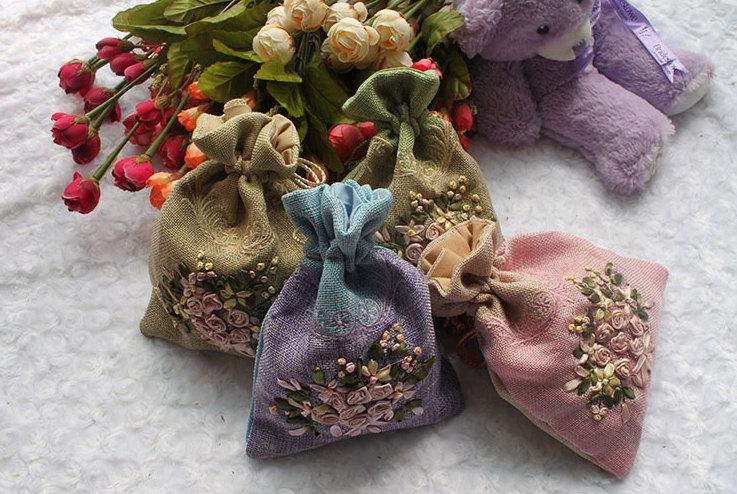 Mariage - Embroidery Rose Burlap Bags ,Wedding Favor Bags, Gift Drawstring Bags, Christmas Gift Bags,Party Bags,Jewelry Bags