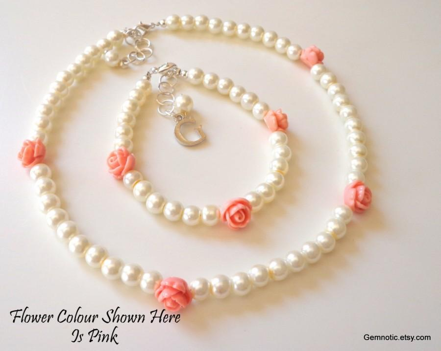 Mariage - Personalized flower girl bracelet and necklace set, flower girl gift, childrens pearl set, flower girl jewelry, wedding jewelry
