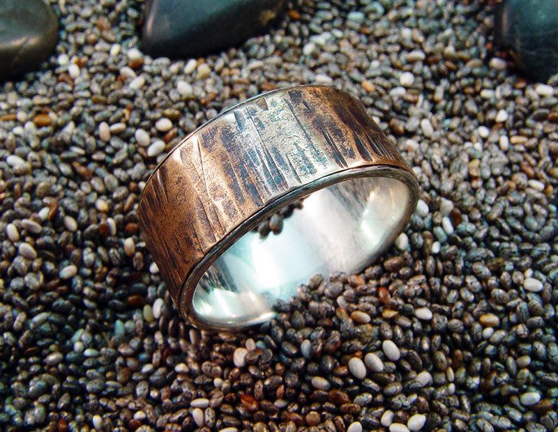 Mariage - Hammered Bronze Ring Lined with Sterling Silver - Unisex Bronze Ring - Unique Rustic Textured Man's Bronze Wedding Ring