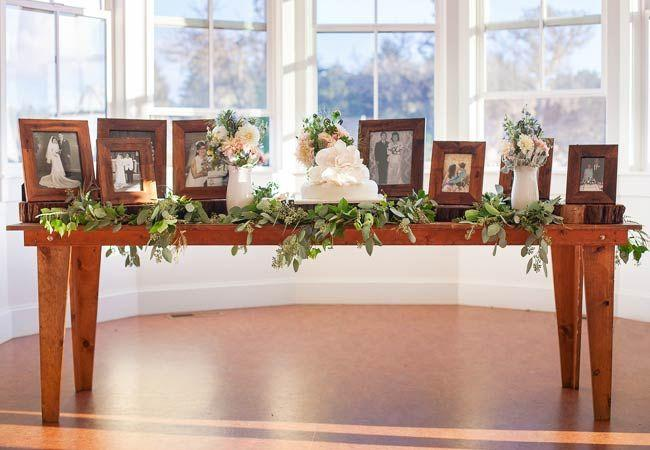 Hochzeit - 12 Ways To Honor Deceased Loved Ones At Your Wedding