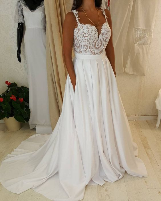 Spaghetti Strap Sweetheart Neck Lace Top Wedding Dress With Pocket