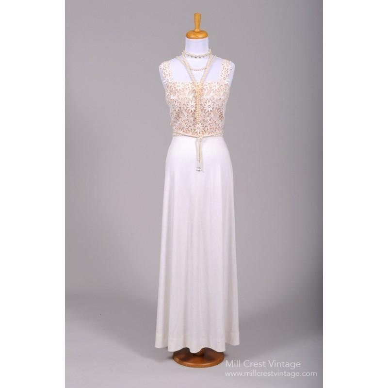 Mill Crest Vintage 1970 Crocheted Daisy Vintage Wedding Gown