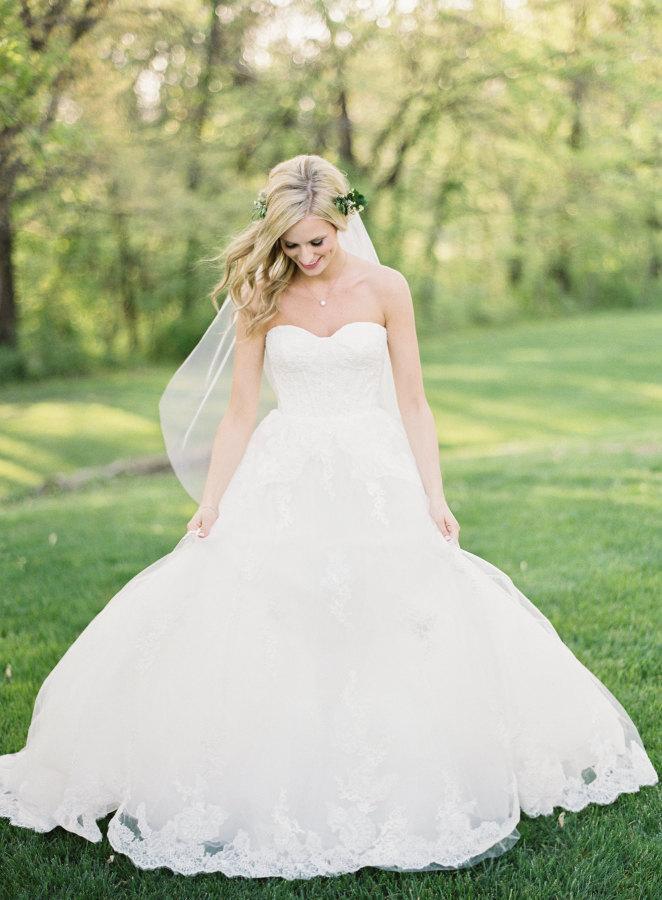 Mariage - Wedding Tulle Veil, Soft Bridal Veil , Fingertip Length Tulle Veil