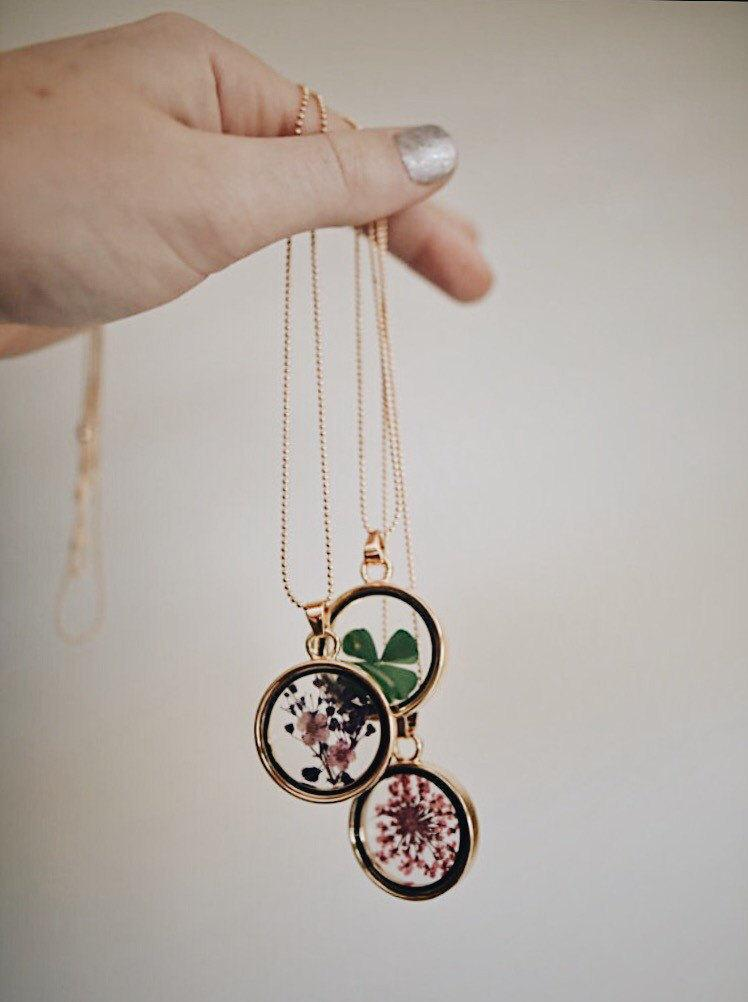 Pressed dried flower pendant necklace nature jewelry jewellery pressed dried flower pendant necklace nature jewelry jewellery womens tumblr boho bohemian clover lucky purple pink resin mozeypictures Choice Image