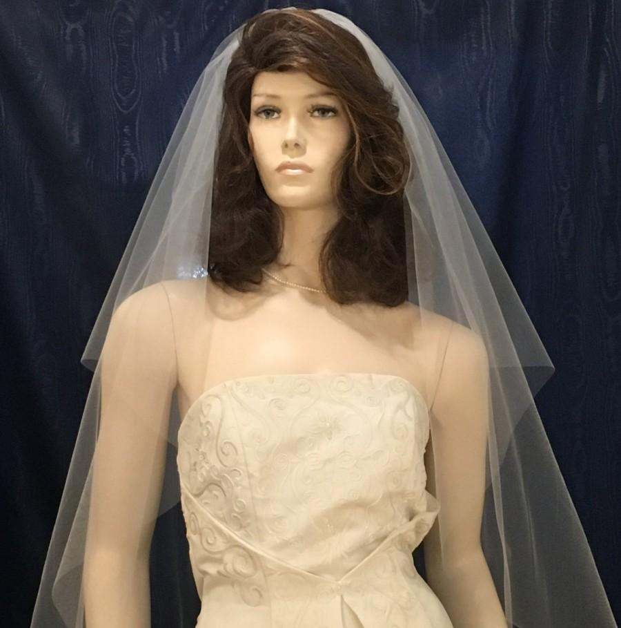 Mariage - One Tier center gathered Bridal veil  fingertip length with plain cut raw edge