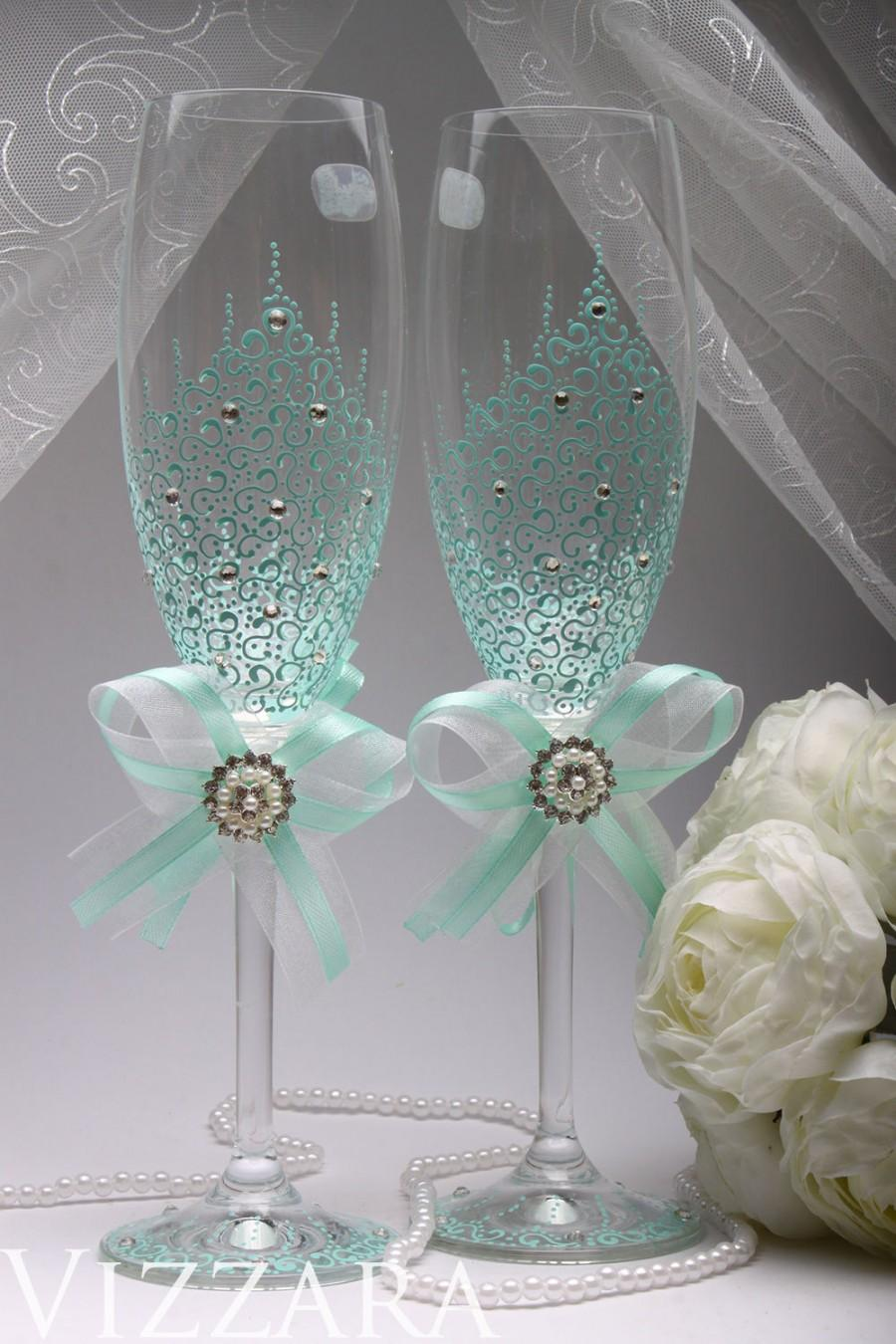 زفاف - Wedding glasses MINT Wedding hand painted Toasting Glasses Wedding Champagne Glasses winter Wedding set ceremony Glasses AQUA Wedding Favors