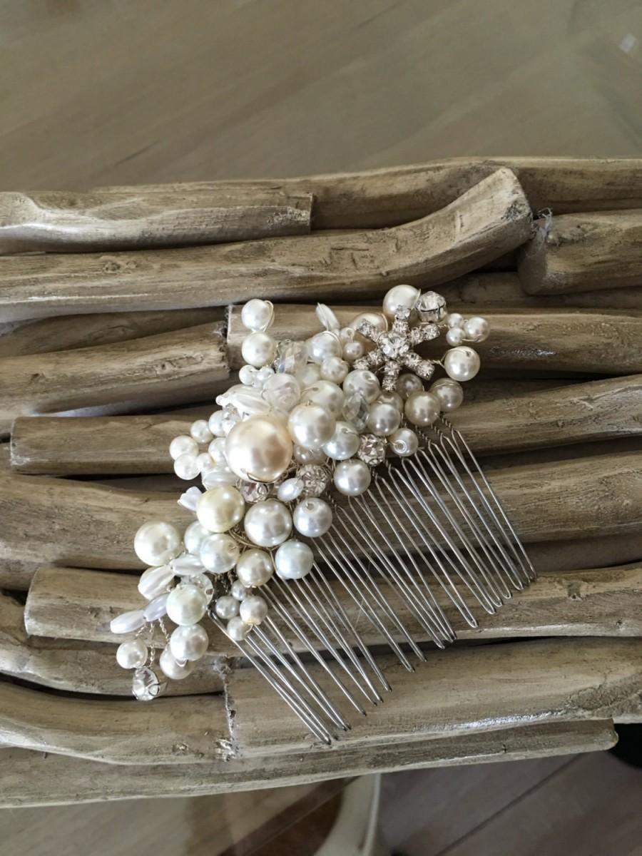 Hochzeit - Wedding Comb/ Jewelry,Hair comb, Bridal Veil Comb, Wedding Accessories, Rhinestones and Ivory Pearl Haircomb