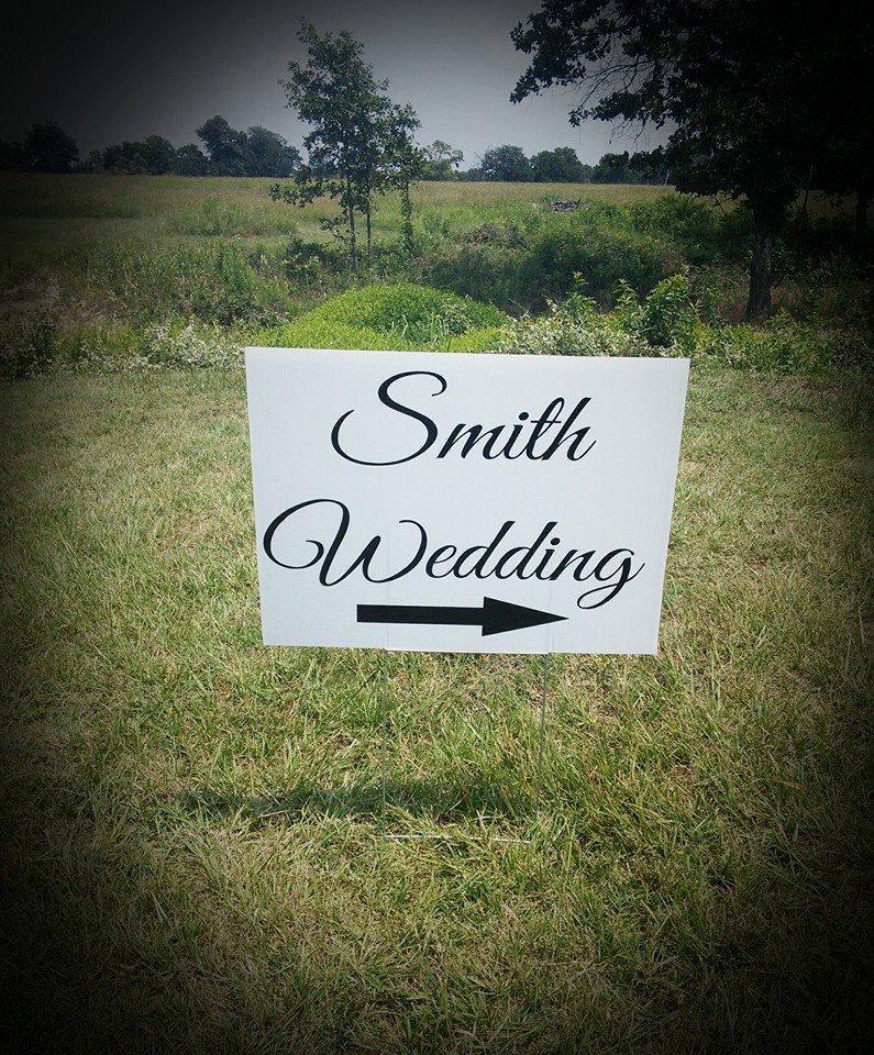 Свадьба - Wedding Yard Sign, Wedding Directional Sign, Corrugated Plastic Yard Signs, Yard Signs, Personalized Yard Signs, Wedding Signs, 18x24