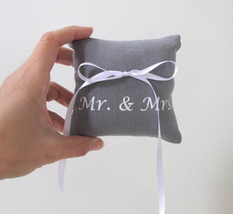 زفاف - Wedding Ring Bearer Pillow 4 x 4 inches  - Mr and Mrs design - Choose your fabric and ink color