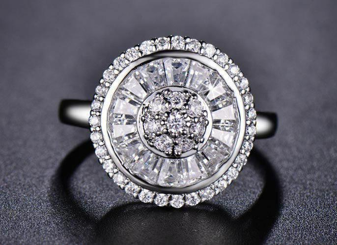 Mariage - Art Deco Engagement Ring - White Gold Plated & CZ
