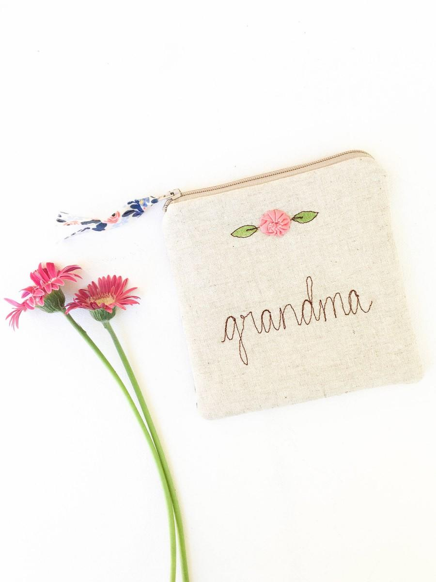 Свадьба - Grandma Gift, Personalized Grandmother Gift, Zipper Bag, Zipper Pouch, Unique Coin Purse, Rifle Paper Co Fabric Jewelry Bag, MADE TO ORDER