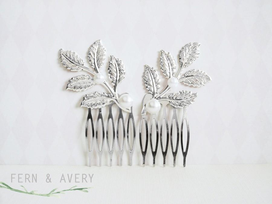 Hochzeit - Silver leaf hair combs. Silver pearl hair clips. Elegant silver pearl hair. Silver bridal wedding accessories
