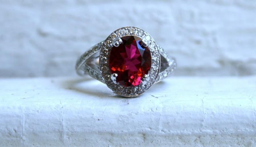Mariage - Vintage 14K White Gold Diamond and Pink Tourmaline Halo Ring - 3.70ct.