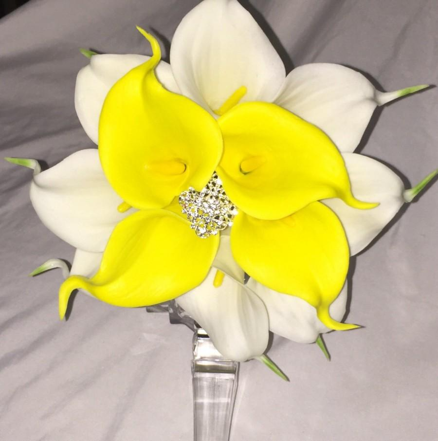 Свадьба - calla lily bouquet Real Calla Lillies for bride white calla lily bouquet yellow lily boutonnière