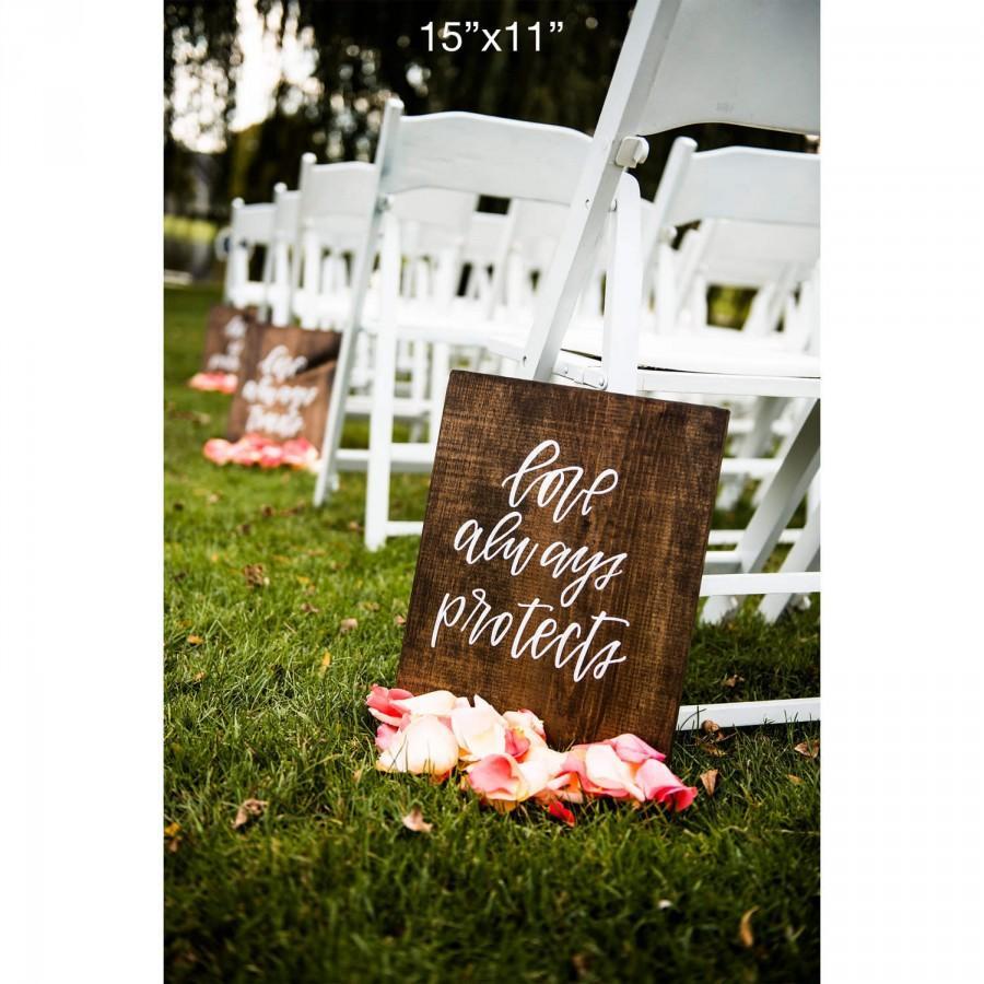 Hochzeit - Love is Patient Love is Kind // 1 Corinthian 13 -- Set of 6 Wedding Aisle Signs// Wedding Signs