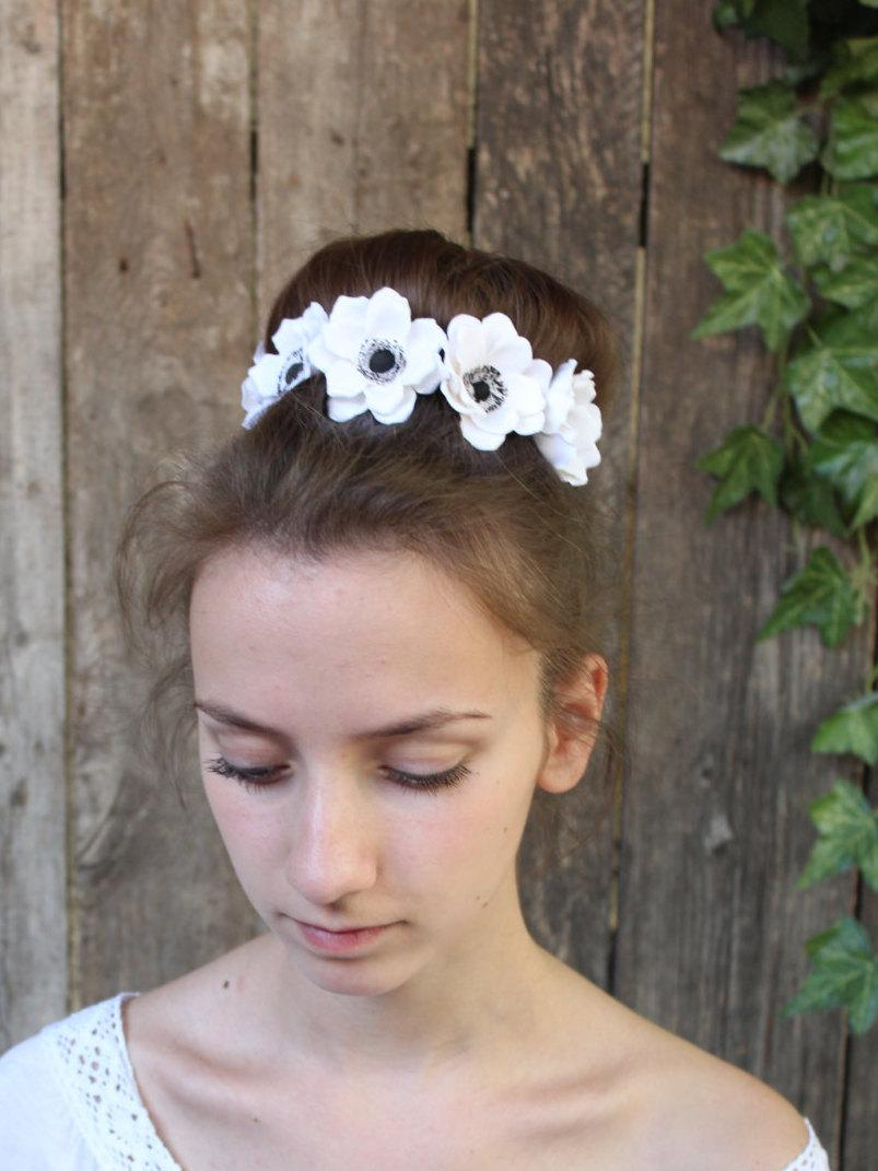 Wedding - White anemones.Hair bobby pin polymer clay flowers. Set of 3.Anemone Wedding Hair Pins