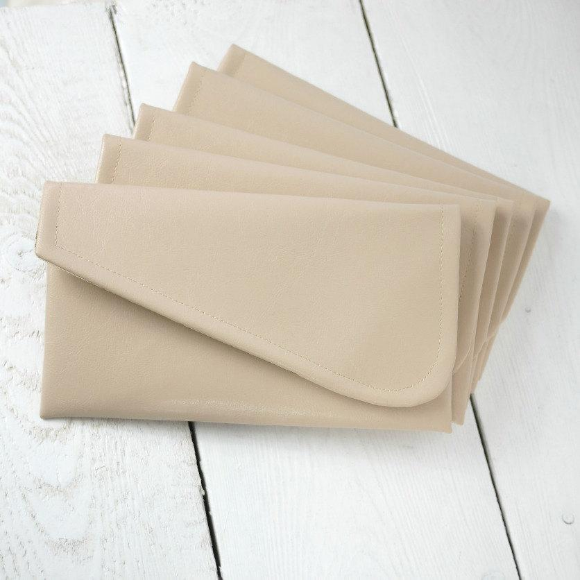 Mariage - Set of  simple nude bridesmaid clutches
