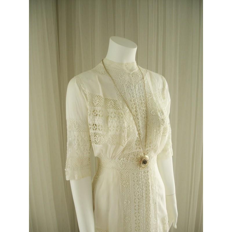 Свадьба - Antique Handmade 1900 Tea Length Vintage Cotton Batiste and Lace Insets Wedding Day Dress - Hand-made Beautiful Dresses