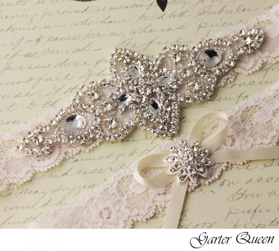 Свадьба - Ivory Lace Garter Set, Wedding Garter Set, Bridal garter Set, Rhinestone Garter, Ivory Garter set, White Lace Garter Set